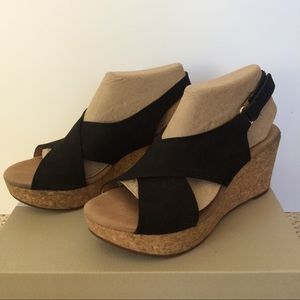 Clark's Annadel Eirwyn wedge sandals- black size 8